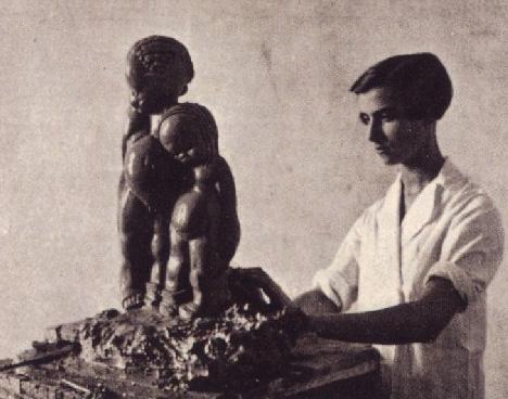 Marga Gil Roësset en su taller